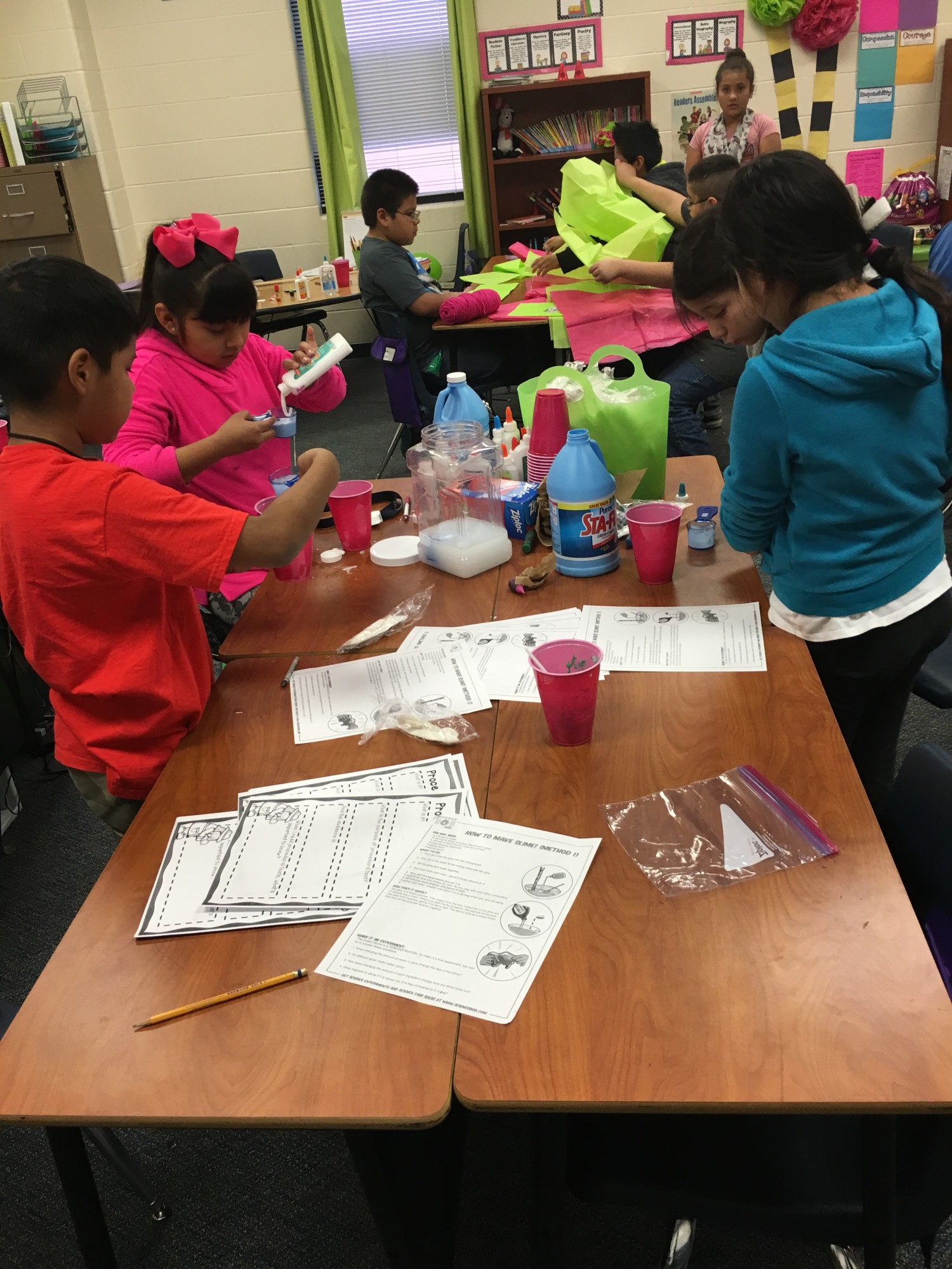 4th grade students making slime.